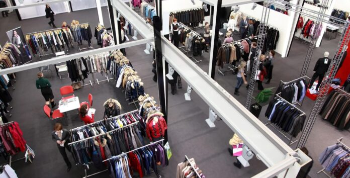 What Are the Top Choices in Promotional Clothing for a Trade Show?